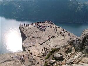 Severská romance (letecky) - mj. skalní plošina Preikestolen