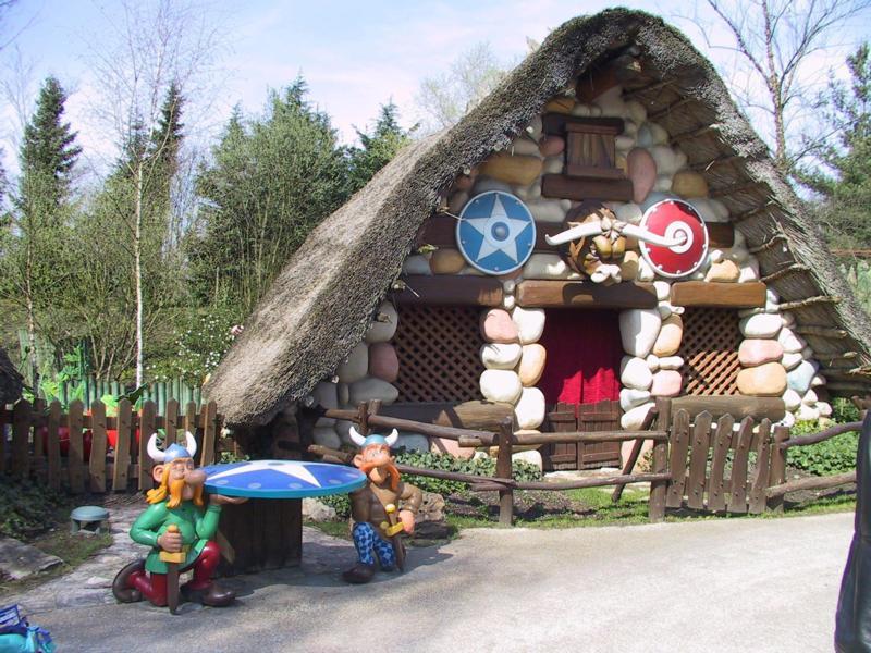 Foto - Paříž - Disneyland a Asterix park s koupáním v Amberku *