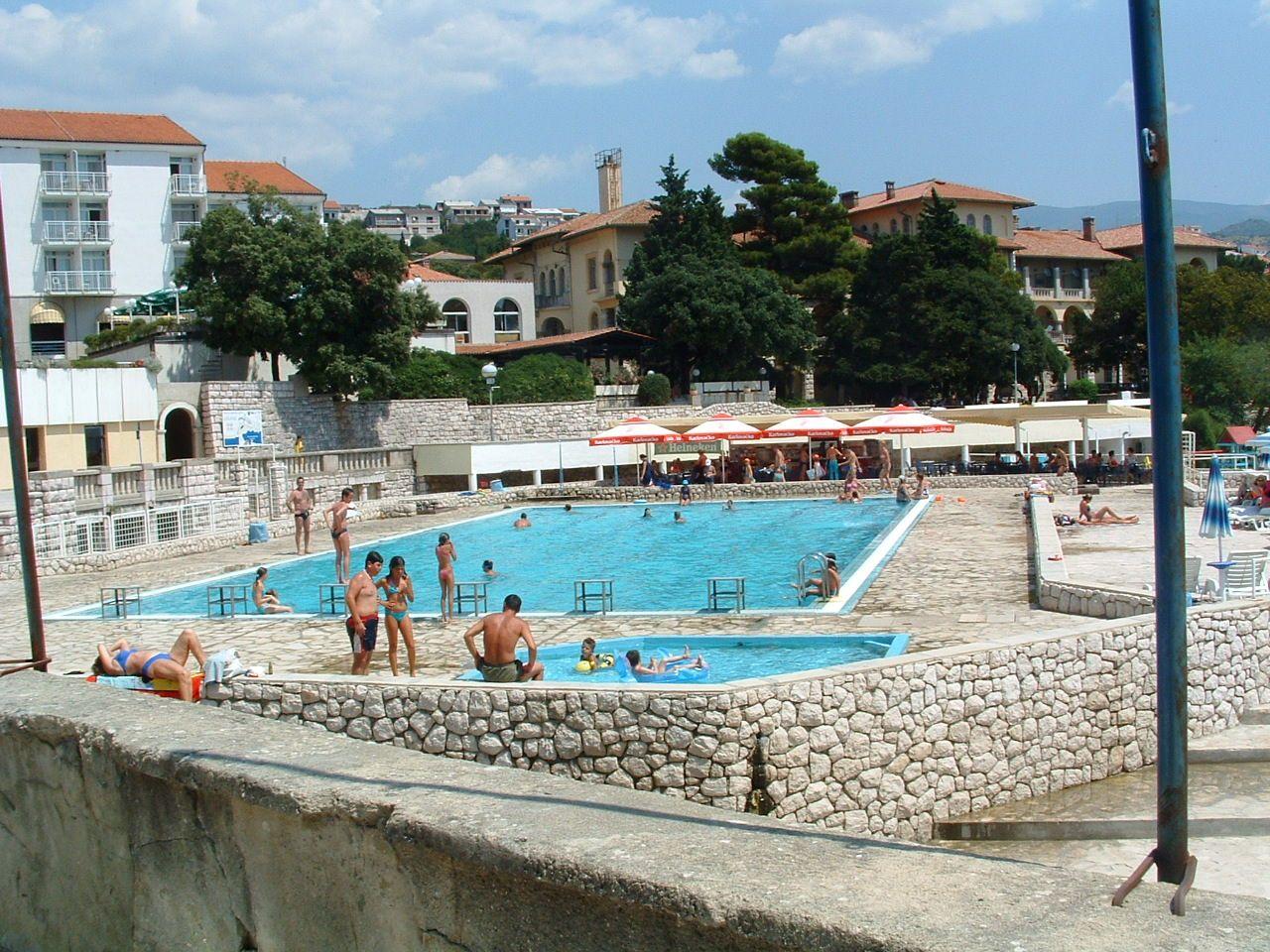 Novi vinodolski hotel li ajn va e z jezdy for Hotel design ligurie