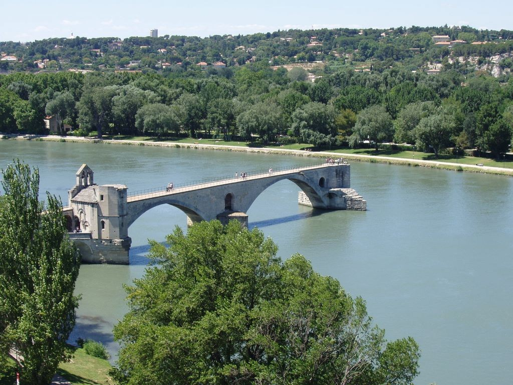 Provence_avignon_pohled_na_most
