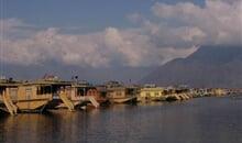 Kašmír - Švýcarsko Indie