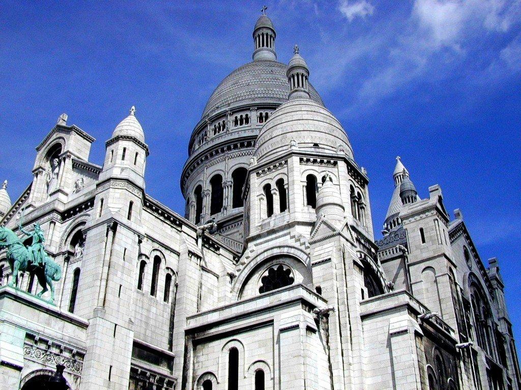 Pariz_metropole_nad_Seinou_04