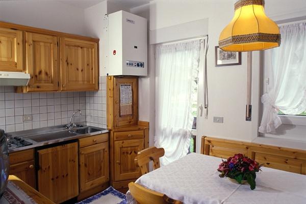 Dolomity super ski cortina d ampezzo hotel meubl for Hotel meuble fiori