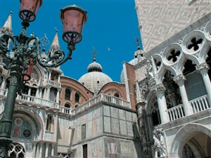 Italie_Benatky_detail