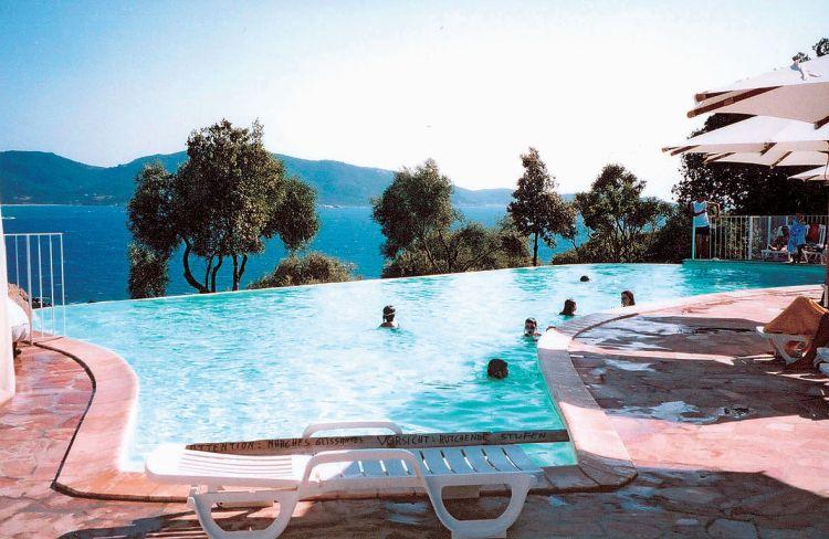 Korsica - bazen