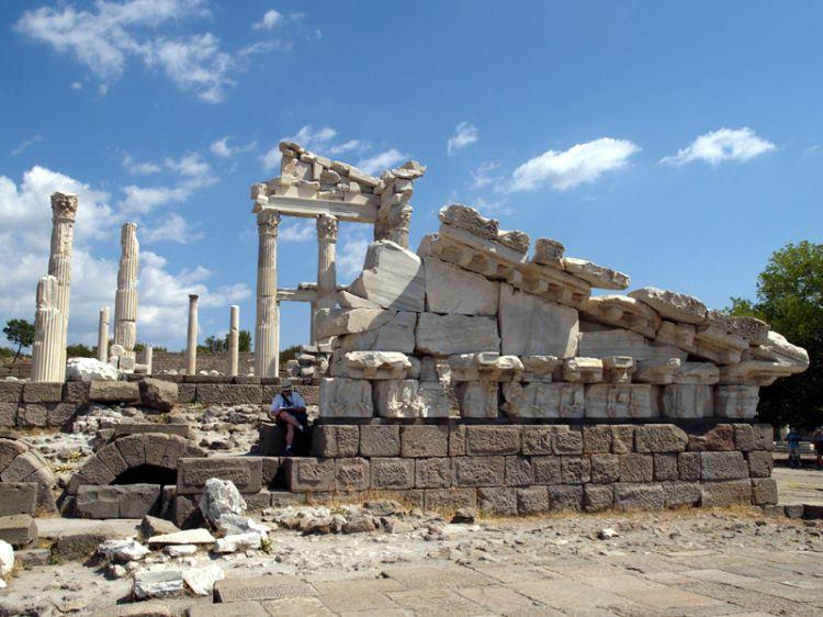 Pergamon 4