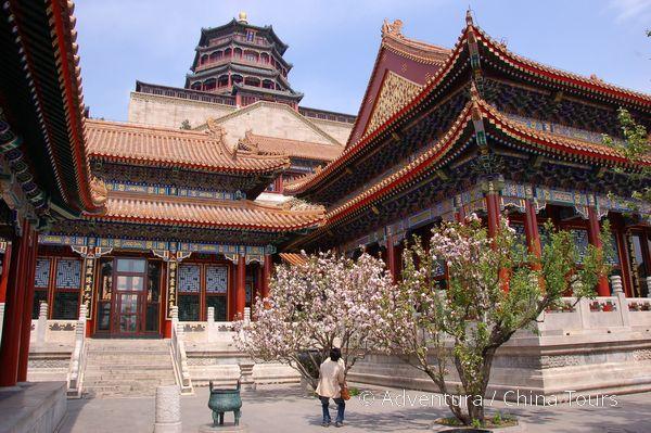 Peking  rozkvetlý Letní palác