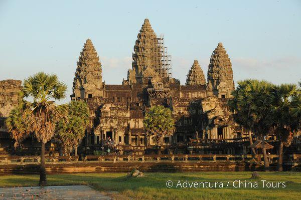 Věže Angkor Watu