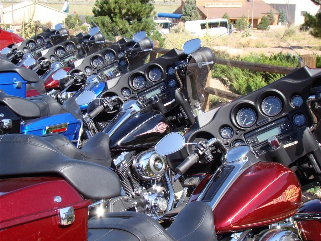 Na motocyklech