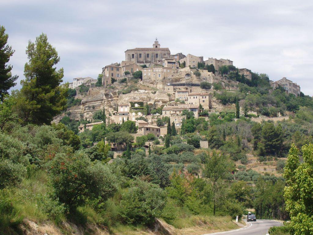 Provence_gordes_pohled2