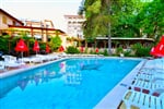 Estreya_outdoor pool (1)
