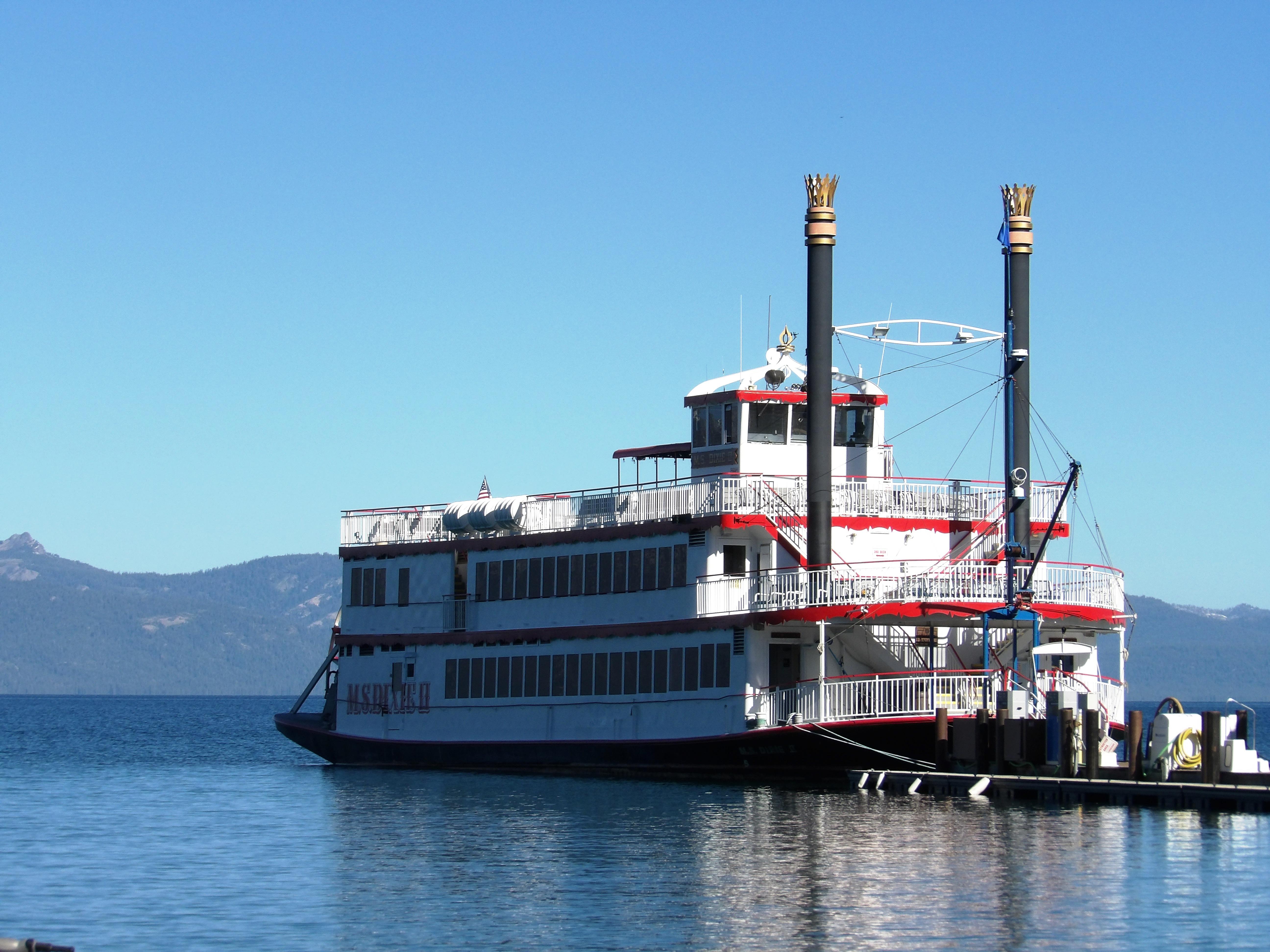 Parník Tahoe Queen 1