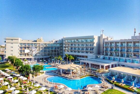 Pernera Beach hotel (1)