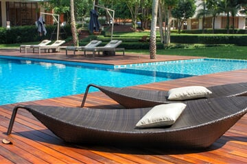 relaxing, loungers, pool side