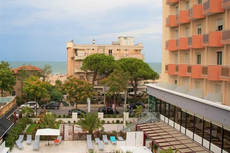 DueMari hotel Rimini leto2021 (4)