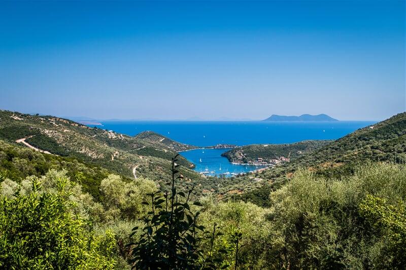 Lefkada, zátoky na východním pobřeží ostrova