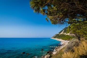Pobřeží ostrova Lefkada