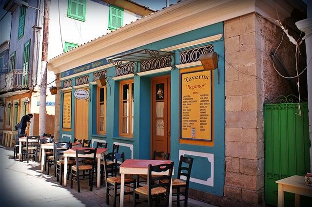 Řecká taverna na ostrově Lefkada