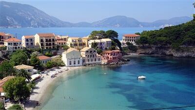 Tyrkysová Kefalonia v Jónských ostrovech Řecka     (greece, assos, island, řecko)