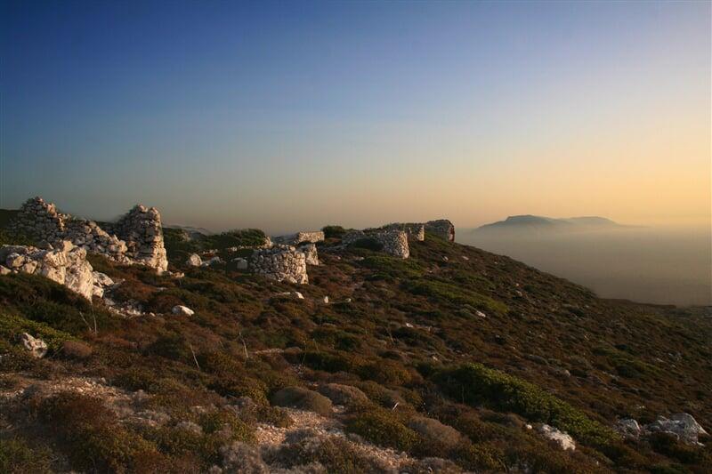 Hornatá Kefalonia v západu slunce (greece, řecko, sunset)