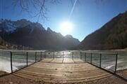 Terrazza sul lago di Alleghe (lato comune Rocca Pietore)   © Consorzio Turistico Marmolada