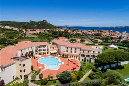 blu hotel morisco vista aerea cannigione sardegna