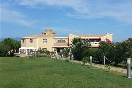 1542 11 Raffael Oristano Giardino Estate