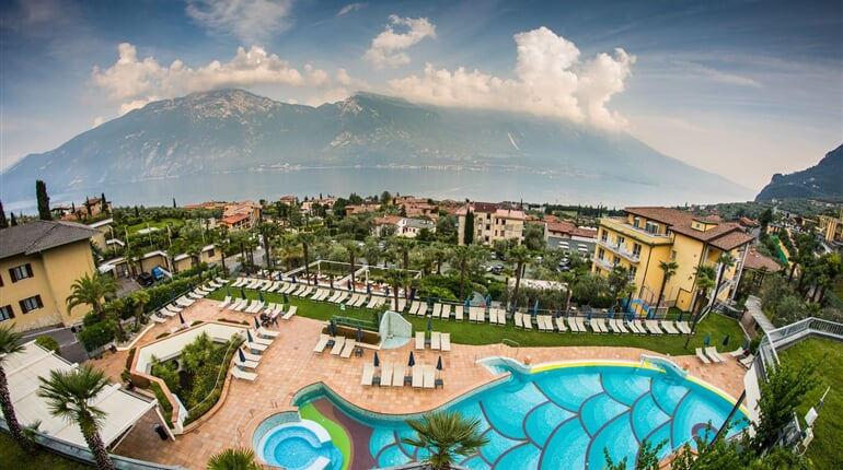Royal village hotel limonesulgarda leto2021 (7)