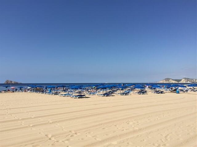 Plážový servis na pláži v Benidorm
