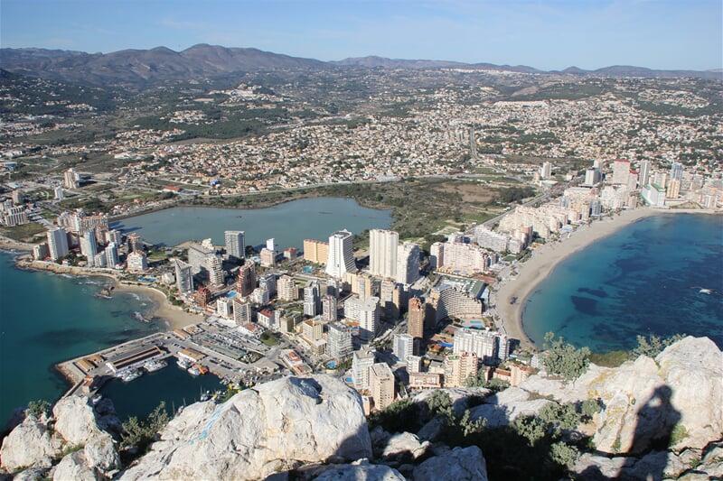 Město Calpe v provincii Alicante na Costa Blanca
