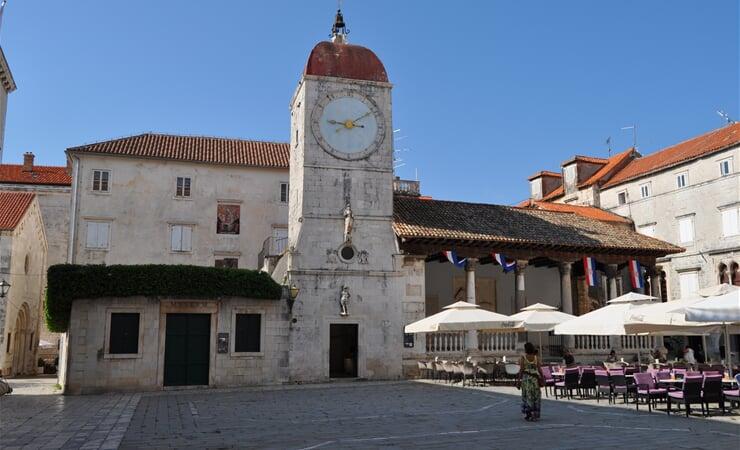 Hodinová věž v Trogiru