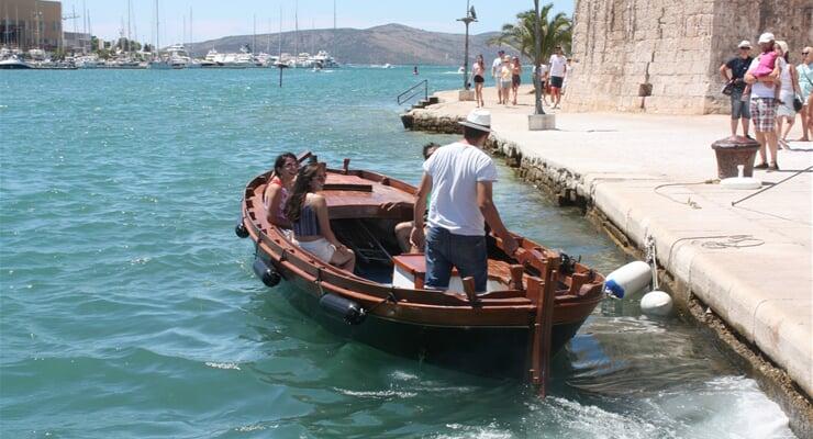 Vodní taxi Trogir