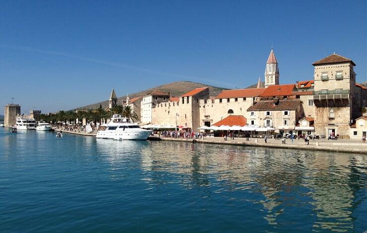 Historické jádro městečka Trogir v Chorvatsku