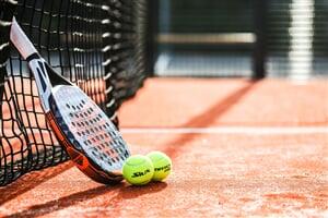 racket 6308994 960 720