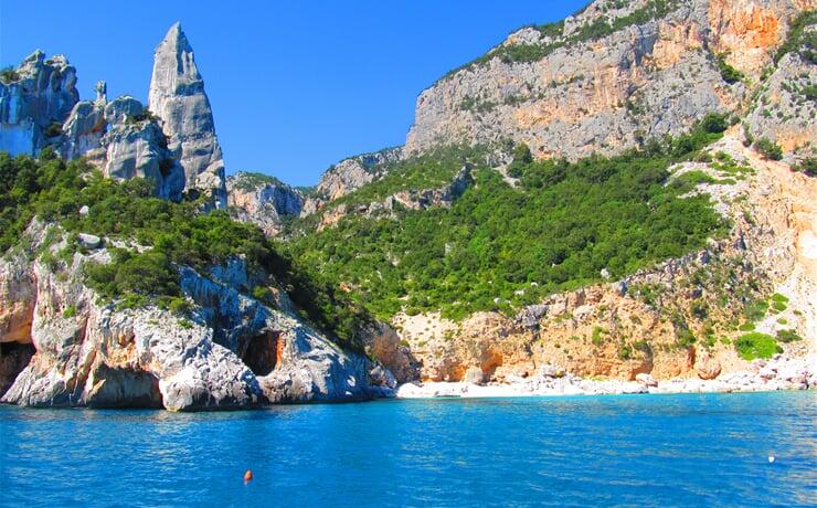 Cala Goloritzé v zálivu Orosei na Sardinii