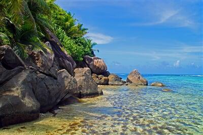 Exotické pláže a mělčiny moře