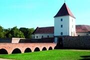sarvar hrad