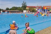 Patince - 2009 - rekreacny detsky bazen+2 bazeny - ej