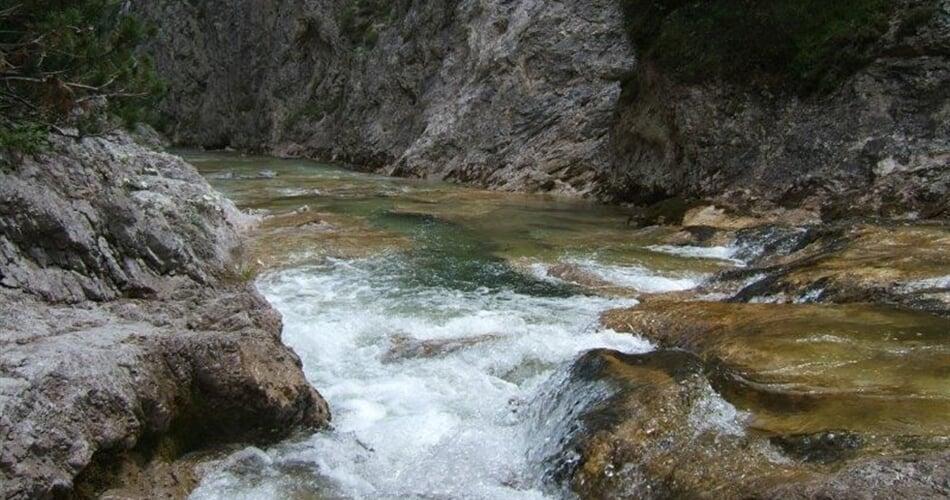 Soutěsky a vodopády Otscheru mala1