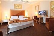 Hotel**** Primus 10