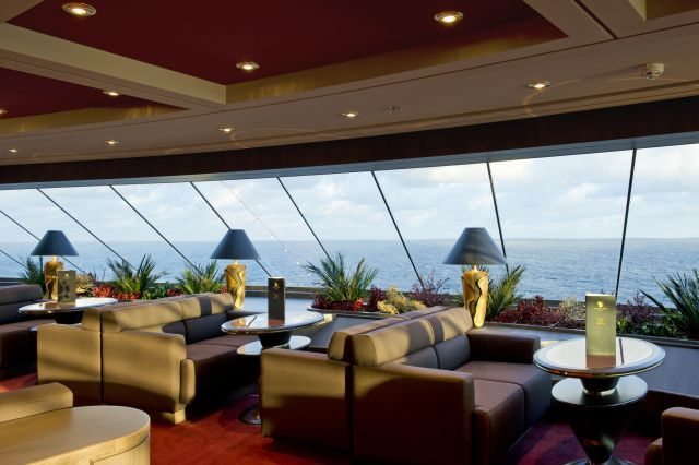 MSC Divina, MSC Yacht Club-Top Sail Lounge 5