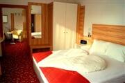 hotel**** Sonnenhügel 13
