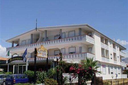 Hotel a Residence Gandhi, Santa Maria (1)