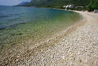 15.Gradac Beach
