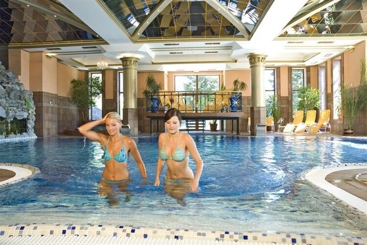 748_ vnitřní bazén