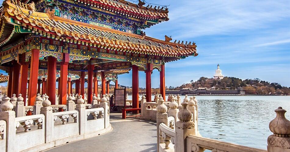 Čína - Peking, park Pej-Chaj