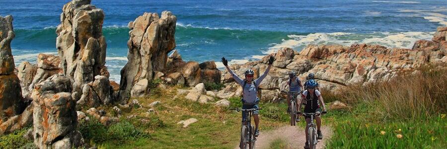 Na kole až k moři