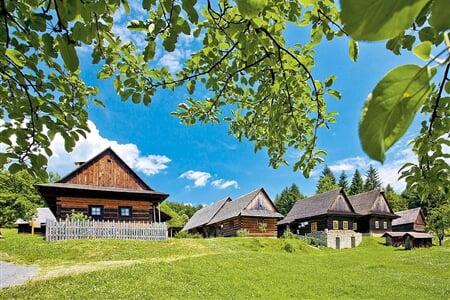 17 Folklor a Valašské muzeum