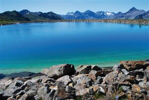 Svycarsko Jakobshorn jezero