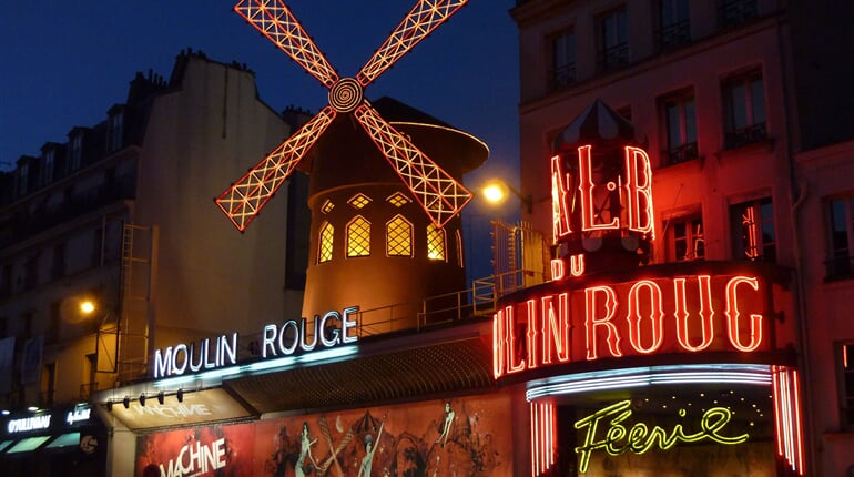 43 Moulin Rouge